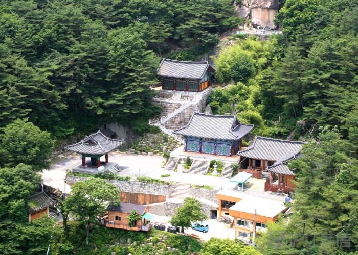 玉泉龙岩寺