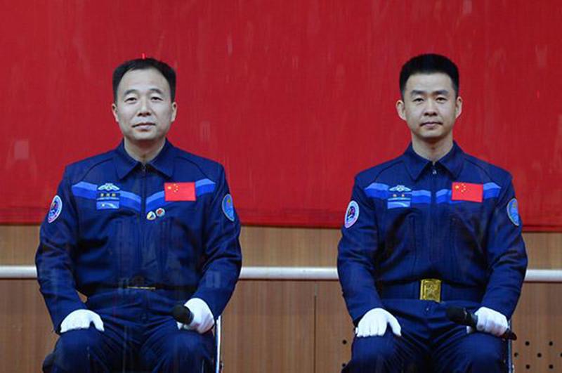 外媒看中国:神州十一号发射成功