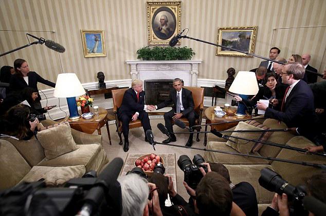双语:川普和奥巴马首次白宫会晤 看他们聊点啥?