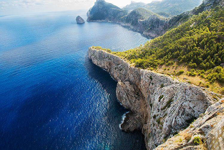 《蓝色大海的传说》开播,西班牙为什么成了剧组们的最