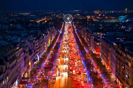 埃菲尔铁塔,那么一定不要错过在巴黎摩天轮上俯瞰这