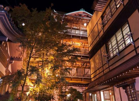 日本十大色禁播电影_看到这座旅馆的人都会情不自禁这样自言自语,毕竟这里有电影中油屋的