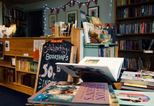 苏格兰的豪华民宿如何便宜住?帮忙管书店吧