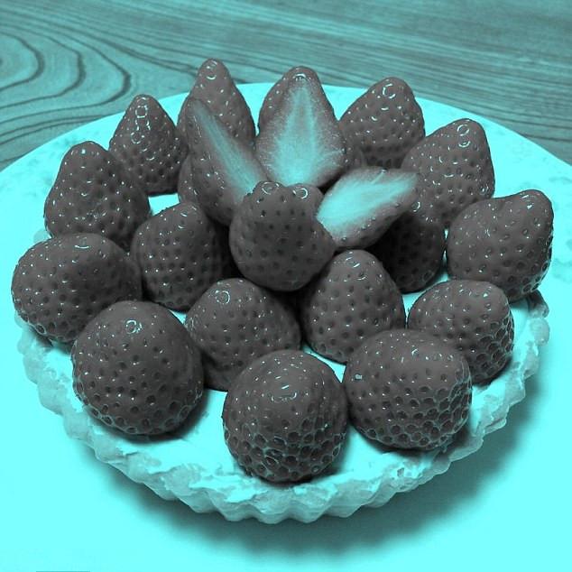 心里小测试:你看见的是红色草莓吗?