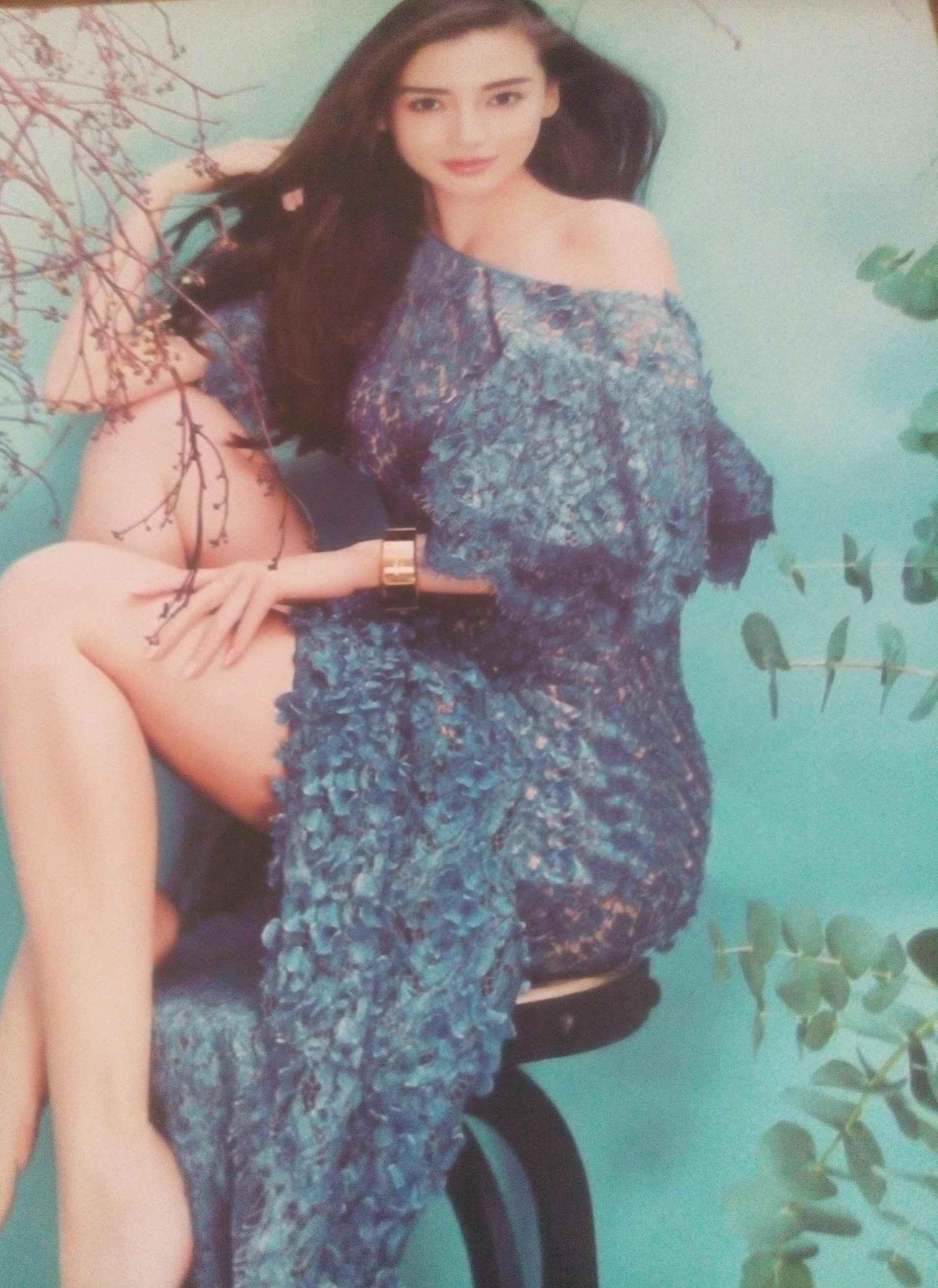 你喜欢哪一张anglebaby杨颖的海报?
