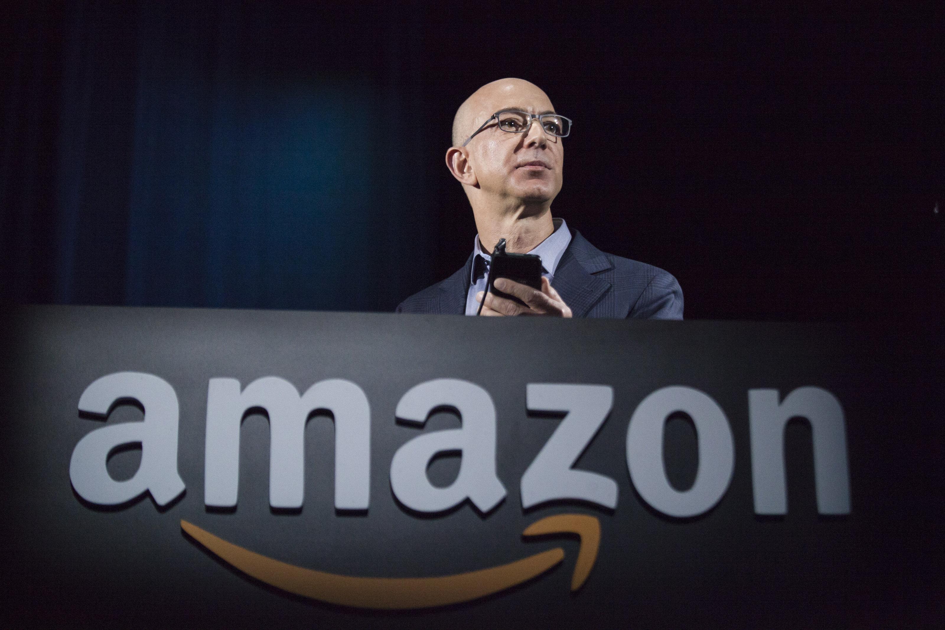 在家隔离,网购人数激增,亚马逊生意火爆却没有人送货