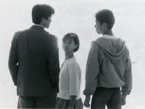 日本畅销作家江国香织小说推荐:那一年,我们爱得闪闪发亮