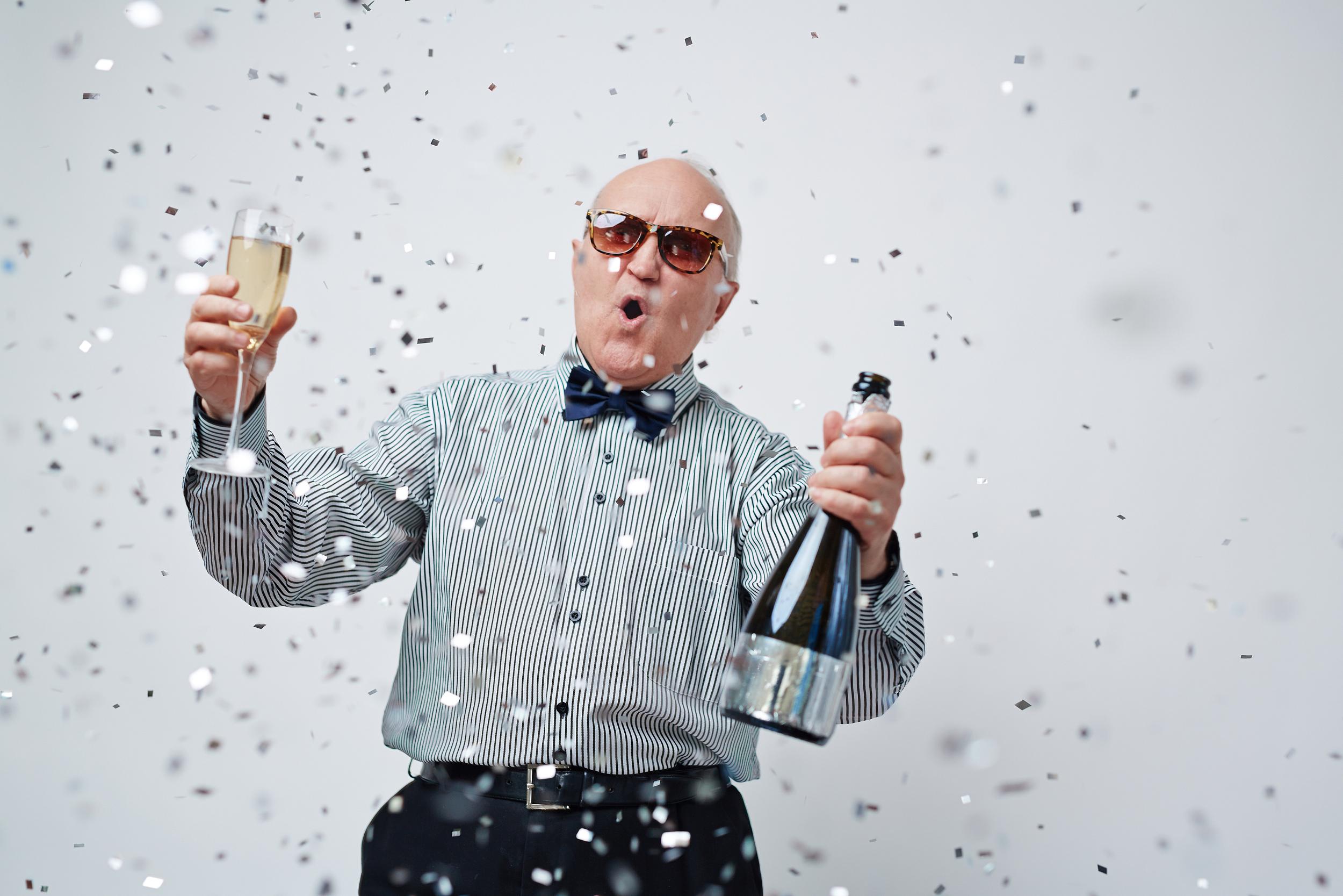 西班牙88岁爷爷作为模特出道爆红网络!气质碾压一众小鲜肉……