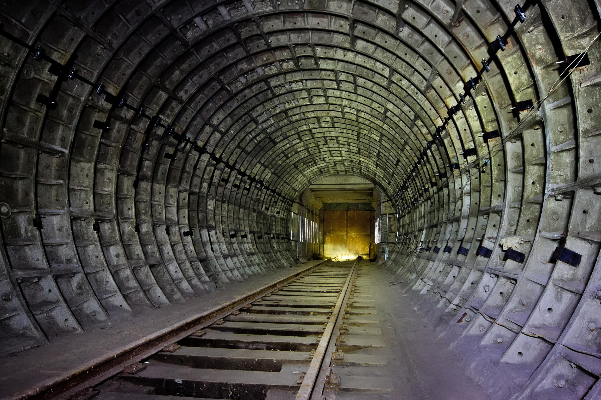 """马德里竟有座""""神秘地下城""""?错综复杂的隧道连通了整个城市!"""