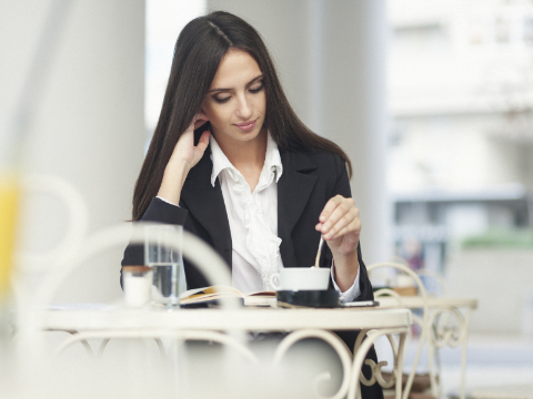 Quora精选:独自在外面吃饭,会不自在吗?