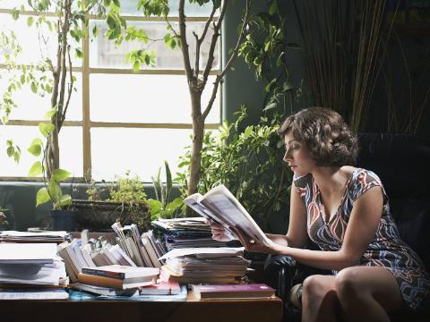 有声双语美文:时间再少,也要挤出来读书
