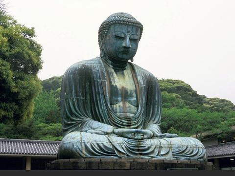 跟名人名言学日语:生まれを問うな、行為を問え