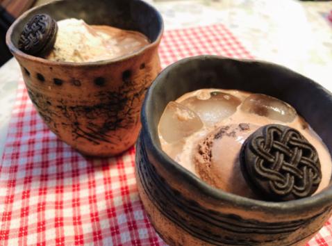 """有声听读新闻:日本推特上引发热议的""""陶器奶茶"""""""