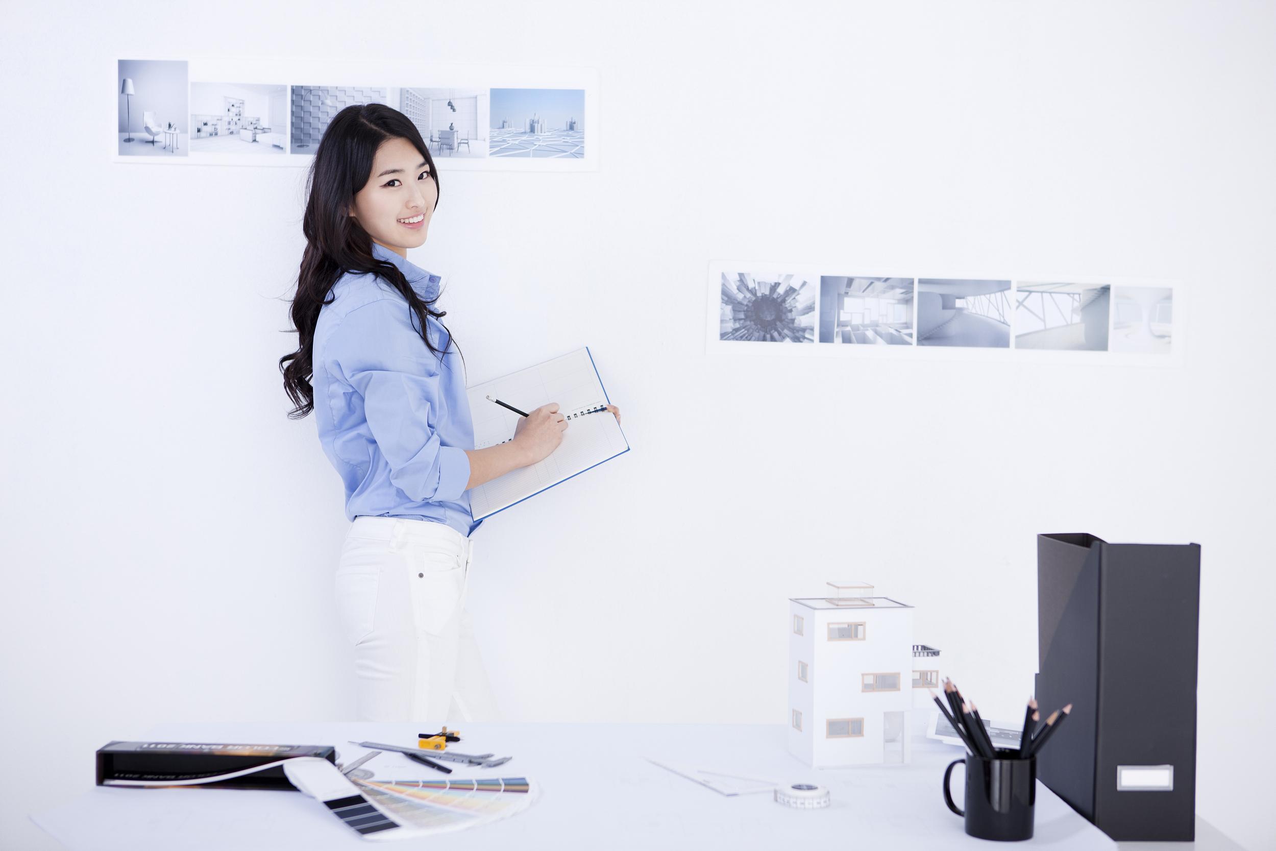 双语美文:帮我写简历的老师