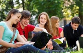 加拿大研究生留学费用你造吗?雅思优秀留学移民两不误