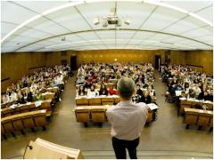 雅思成绩在美备受信赖,可根据美国本科留学条件精准择校