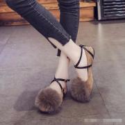 """""""香蕉裤+毛毛鞋"""",get到了么(ಡωಡ)"""