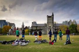 做好加拿大研究生留学费用预算 雅思助力申请实现人生梦想